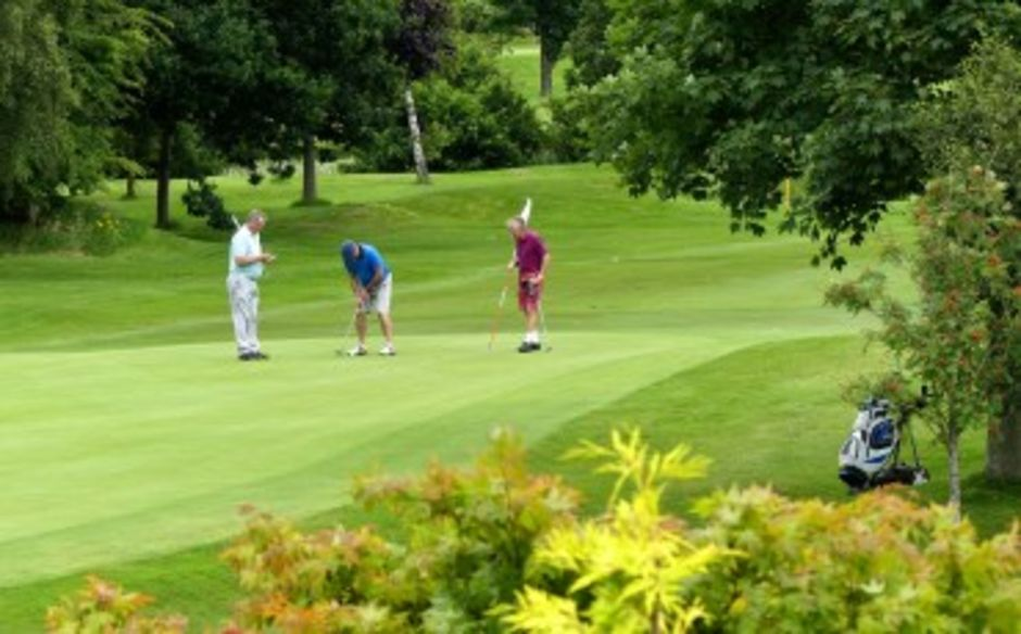 dating for golfers uk Golf holidays for singles all our golf holidays include fun, social and team scoring competitions which are organised by your accompanying tour leader we offer holidays for golfers of all levels: those holding handicaps and also non-handicap players.